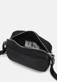 Calvin Klein Jeans - LOGO CROSS BODY BAG - Across body bag - black - 2