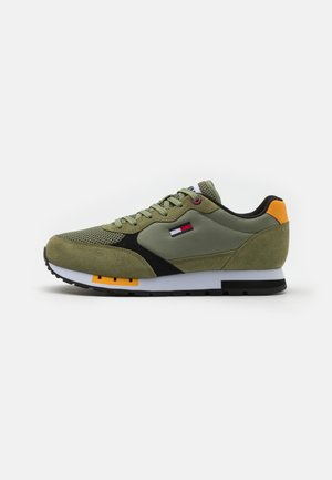 RETRO RUNNER MIX - Trainers - clean green