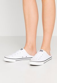 Converse - CHUCK TAYLOR ALL STAR DAINTY MULE - Trainers - white/black - 0