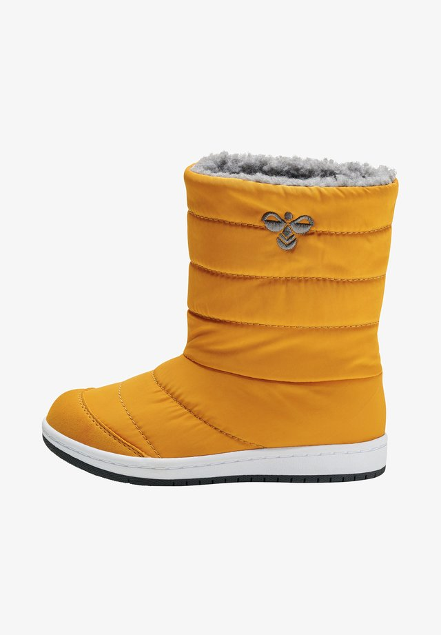Winter boots - autumn blaze