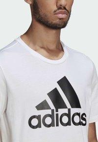 adidas Performance - ESSENTIALS BIG LOGO T-SHIRT - Print T-shirt - white - 4