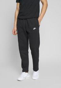 Nike Sportswear - CLUB PANT - Pantaloni sportivi - black/white - 0