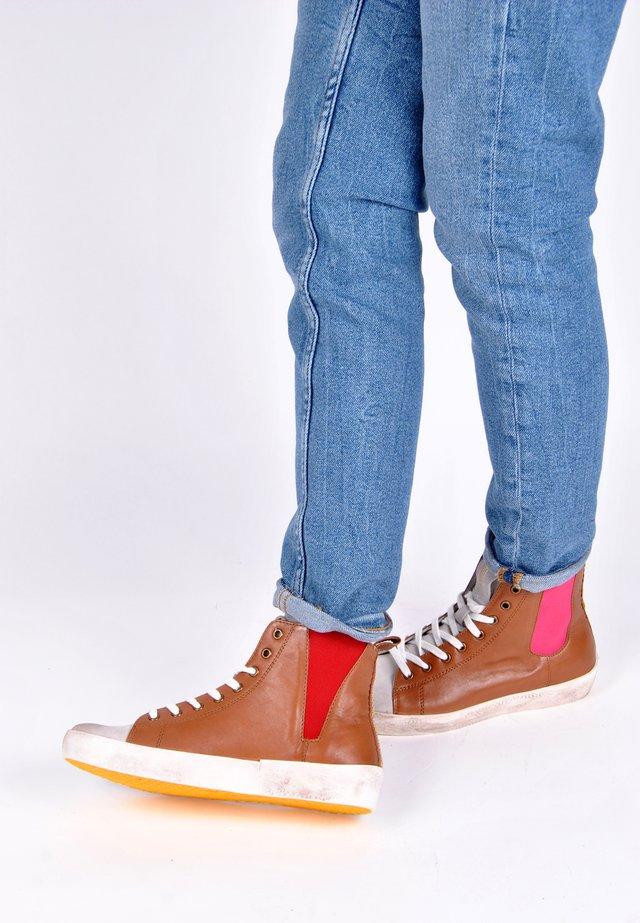 SNEAKER SNEAKER PIPER BUNT - Sneakers hoog - cognac
