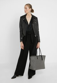 By Malene Birger - ABI TOTE - Cabas - black - 1