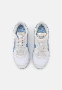 Puma - FUTURE RIDER TONES - Trainers - white/forever blue - 5