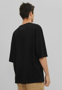 Bershka - T-shirt basic - black - 2