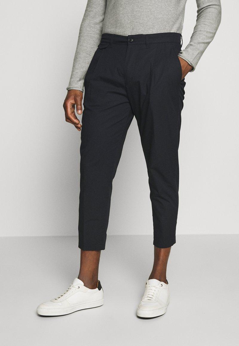 DRYKORN - MOSH - Trousers - black