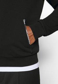 KARL LAGERFELD - HOODY - Zip-up hoodie - black - 5