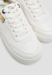 PULL&BEAR - Baskets basses - white - 4