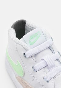 Nike Sportswear - BLAZER MID - First shoes - white/vapor green/smoke grey/black - 5