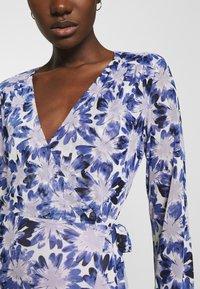 Fabienne Chapot - NATASJA FRILL DRESS - Day dress - marigold/lilac - 4