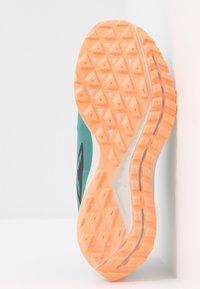 Nike Performance - ZOOM PEGASUS 36 TRAIL GTX - Zapatillas de trail running - bicoastal/off noir/silver pine - 4