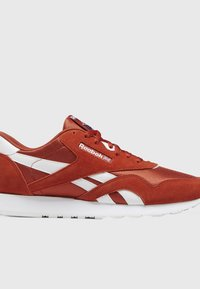 Reebok Classic - CLASSIC NYLON SHOES - Trainers - mason red - 8