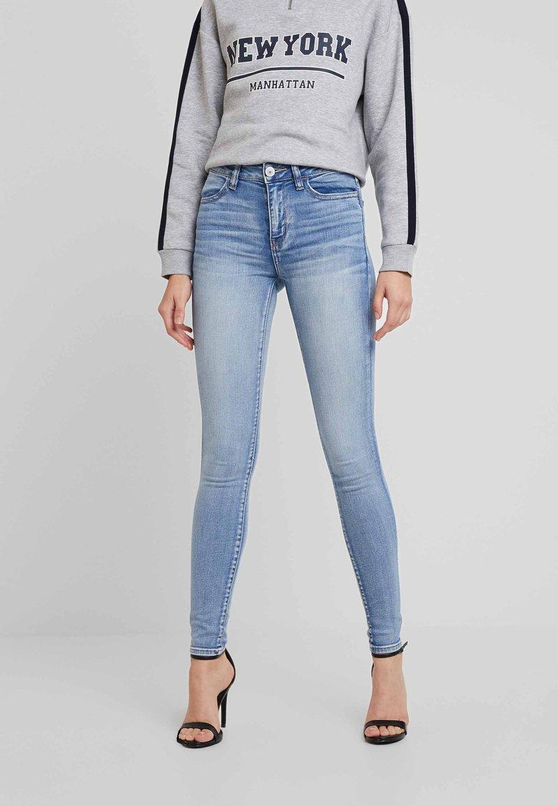 American Eagle - Slim fit jeans - light blue denim