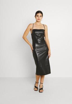 VACAY DRESS - Shift dress - black