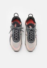 Nike Sportswear - AIR MAX 2090 - Baskets basses - light bone/black/off noir/iron grey - 3