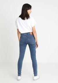 Levi's® - MILE HIGH SUPER SKINNY - Jeans Skinny Fit - blue denim - 3