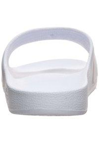 adidas Performance - ADILETTE AQUA SWIM - Sandali da bagno - footwer white / platin metallic - 5