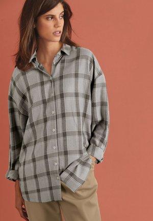 Boyfriend  - Button-down blouse - light grey