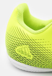 adidas Performance - X GHOSTED.4 IN UNISEX - Indoor football boots - solar yellow/core black/royal blue - 5