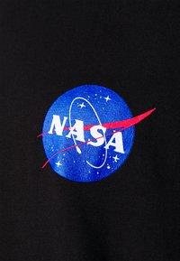Only & Sons - ONSNASA STRIPE TEE PLUS - Print T-shirt - black - 2