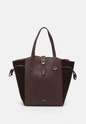 NET TOTE - Handbag - caffe