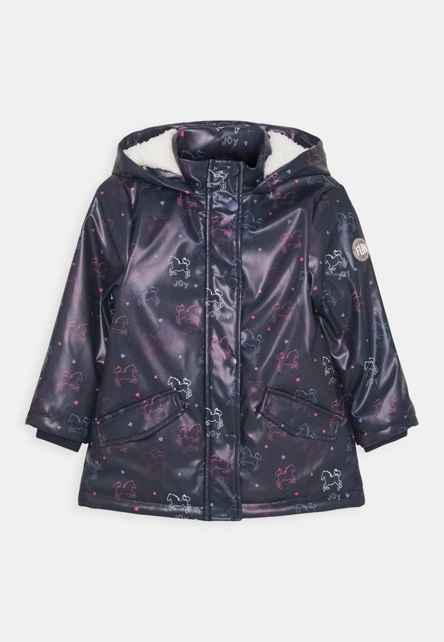 Waterproof jacket - deep tinte