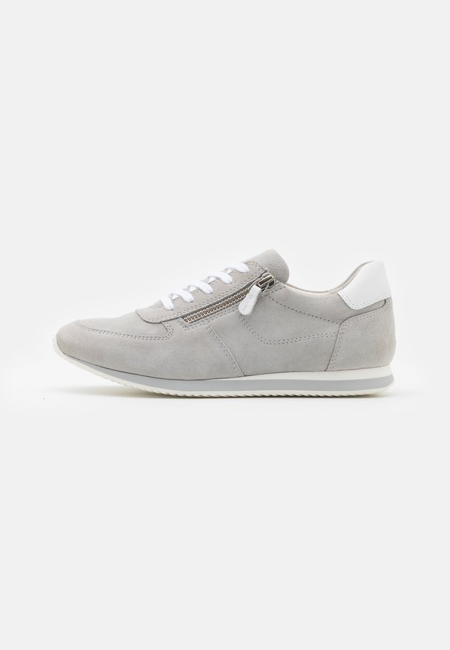 LEATHER - Sneakersy niskie - beige