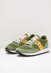 Saucony - JAZZ VINTAGE - Sneaker low - green/mustard - 0