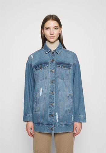 NMFIONA DEST JACKET  - Denim jacket - light blue denim
