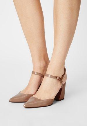DRAW COURT - Classic heels - blush