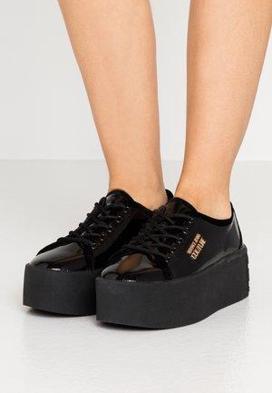 PLATFORM SOLE - Baskets basses - nero