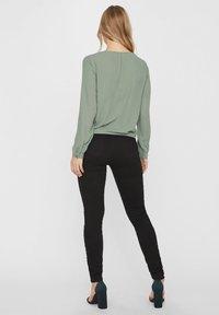 Vero Moda - Bluser - dark green - 2
