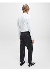 Calvin Klein Jeans - SLIM  - Maglietta a manica lunga - bright white - 2