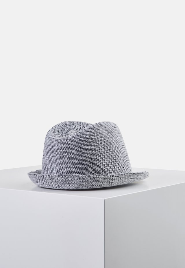 Hat - greay