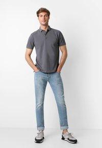 Scalpers - Polo shirt - dark grey - 1
