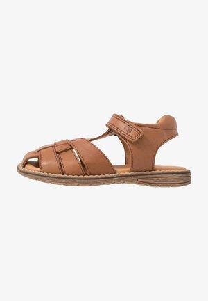 DAROS MEDIUM FIT - Sandalen - brown