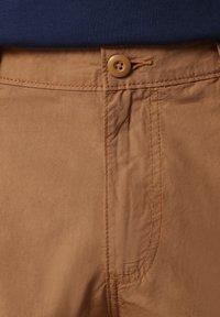 Napapijri - N-ICE CARGO - Shorts - chipmunk beige - 5
