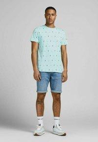 Jack & Jones - Print T-shirt - light blue - 1