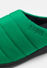 SUBU - SUBU SLIP ON - Klapki - artificial green - 5