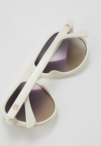 Guess - Solbriller - white - 5