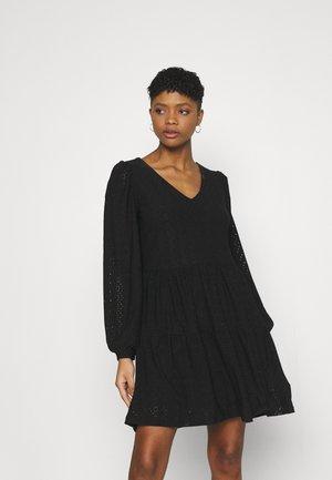ONLFRIDA V NECK DRESS  - Žerzejové šaty - black