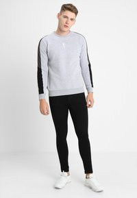 Gym King - SKINNY PLAIN  - Skinny-Farkut - black - 1