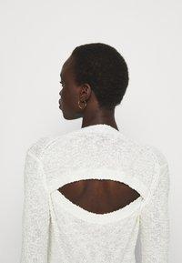 Proenza Schouler White Label - BOBBLE BOUCLE - Jumper - off-white - 3
