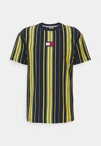 Tommy Jeans - CENTRE BADGE  - T-shirt imprimé - twilight navy/multi - 0