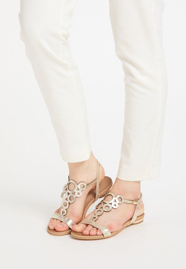IZIA SANDALE - Sandals - gold