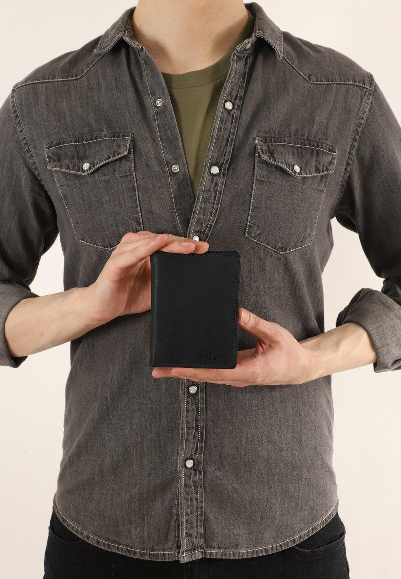 Gusti Leder - Wallet - schwarz  ziegenleder