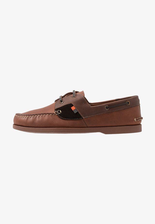 DRACO - Boat shoes - tan/brown