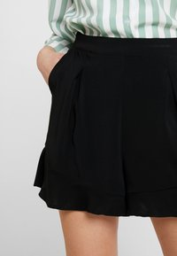 Vila - VIKELLER  - Shorts - black - 4