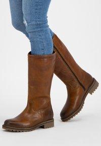 Travelin - VARDE - Boots - cognac - 0